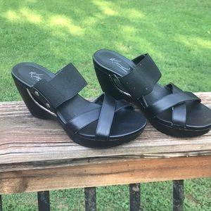 Wedge heel. Black